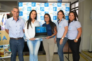 Prêmio Uniacia é entregue para funcionaria da Satis